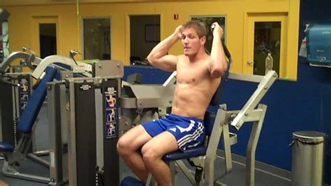 How To: Abdominal Crunch (Hammer Strength) - YouTube