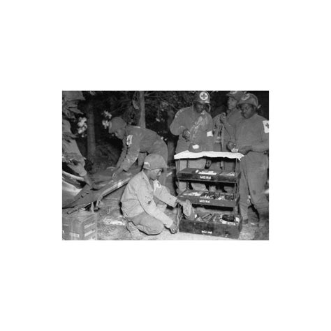 MD2 MEDICAL CHEST WWII MILITARIA NORMANDY 1944 HOSPITAL
