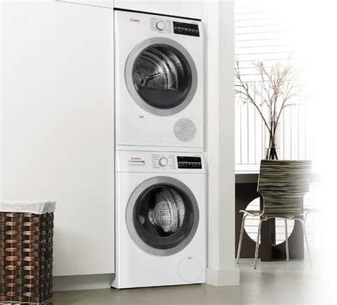 """WAT28402UC 