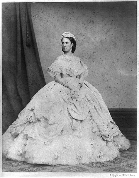The Birth and Death of the Victorian Bustle: an Apologia