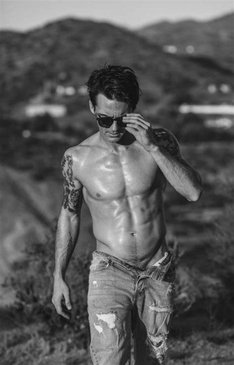 Drake Bell Shows Off Six-Pack Abs Amid Feud With 'Drake